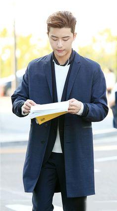 她很漂亮 池成俊 朴叙俊 街拍 박서준/Park Seo Jun