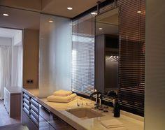 Calacatta popular for bathroom countertops Quartz Bathroom Countertops, Kitchen Countertops, Engineered Stone, Calacatta, Bathroom Interior, Master Bathroom, Bathtub, Monaco, Bathrooms