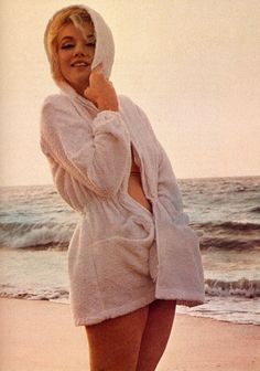 Today's images of Marilyn Monroe are for Theresa Morris and Missy…hugs