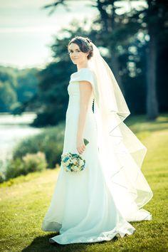 Tara, the perfect Autumn Bride.