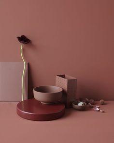 Still life Red Interiors, Color Shapes, Color Of Life, Wall Colors, Creative Art, Still Life, Minimalism, Bedroom Decor, Ceramics