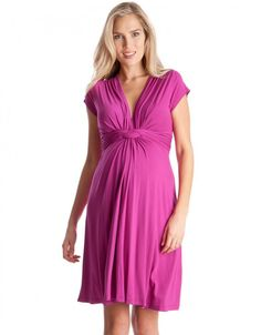 Knot front detail V neckline that pulls aside for breastfeeding Cap sleeve design Available in petite sizes (shorter body length).s iconic knotted dress is one of the maternity clothes collection. Nursing Dress, Nursing Clothes, Maternity Dresses For Baby Shower, Baby Dress, Stylish Maternity, Maternity Fashion, Maternity Style, Robe Fuchsia, Vestidos Para Baby Shower