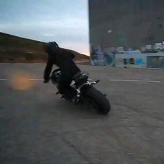 Moto Biker, Biker Love, Moto Car, Biker Girl, Girl Riding Motorcycle, Dirt Bike Girl, Motorbike Girl, Cool Motorcycles, Triumph Motorcycles