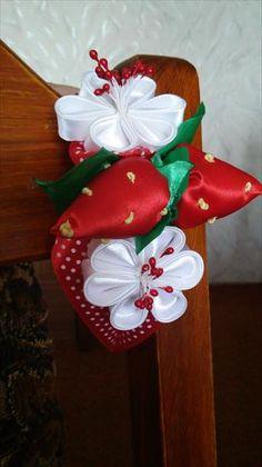 Użyj STRZAŁEK na KLAWIATURZE do przełączania zdjeć Kanzashi, Christmas Wreaths, Holiday Decor, Home Decor, Decoration Home, Room Decor, Home Interior Design, Home Decoration, Interior Design