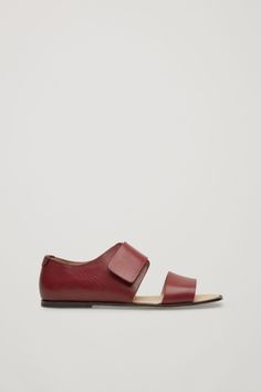 These closed-back sandals are made from smooth, long-lasting leather with raw-cut, painted edges and a slightly padded sole. They are secured with a modern velcro fastening. Velcro Straps, Contemporary Fashion, Shoe Collection, Strap Sandals, Fashion Brand, Designer Shoes, Burgundy, Loafers, Footwear