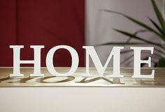 Holen Sie sich den neuen Wohntrend nach Hause. Die Buchstaben können Sie aufstellen oder einfach mittels Klebepads an der Wand befestigen. Zudem lässt sich das Material einfach lackieren, bekleben und verzieren. Ihrer Kreativität sind damit keine Grenzen gesetzt.  Dekobuchstaben aus PVC-Hartschaum, leicht zu lackieren, bekleben und verzieren.  Maße (B/H): ca. 40/10 cm.   Artikeldetails:  Dekora...