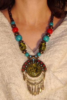 Halsband/necklace Taj Mahal Green 249:- @ http://decult.se/store/products/am50-3-10-10