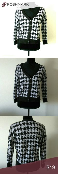 Black Gray Hounds Tooth Cardigan Gorgeous and in great condition hounds tooth cardigan. Comfy and funky. Size Large. Sweaters Cardigans