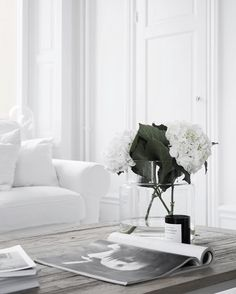 All White Living Room Sets Elegant White Interiors Interiores Allwhite Simplicity Allwhite White Living Room Set, White Rooms, Living Room Decor, Living Spaces, Bedroom Decor, Bedroom Ideas, Style At Home, Sinnerlig Ikea, Ideas Hogar