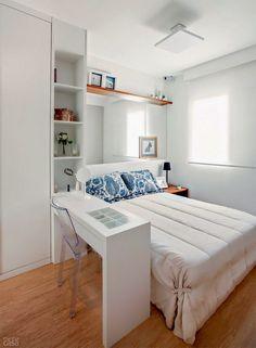 Uno de los problemas principales cuando decoramos nuestro dormitorio es la falta de espacio. En la decoración de dormitorios pequeños modernos, el ingenio y la creatividad es lo más importante para saber aprovechar al máximo los metros cuadrados de los que disponemos. Para inspirarte a conseguir el...