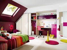 Chambre rose et violette / Pink and purple bedroom : http://www.maison-deco.com/petites-surfaces/rangement-gain-de-place/Les-nouvelles-astuces-de-rangement-pour-optimiser-l-espace