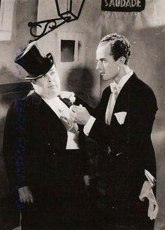 Vasco Santana com Manuel de Oliveira (aqui, jovem actor), numa das cenas cortadas do filme de Cottinelli Telmo «A Canção de Lisboa»  (1933)  #MarinaTavaresDias #Lisboa #LisboaDesaparecida