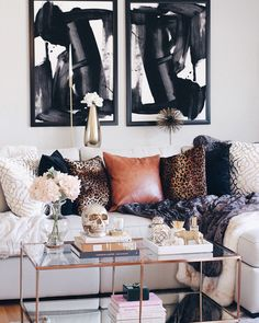 Astonishing Info Regarding California Eclectic Living Room Style Uncovered - Home Design Inspiration Beige Living Room Furniture, Glam Living Room, Eclectic Living Room, Living Room Interior, Home And Living, Living Room Designs, Living Room Decor, Modern Living, Apartment Interior