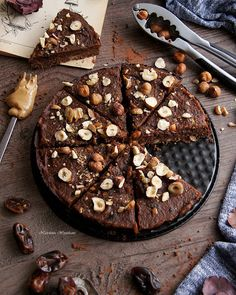 Teen Baking: Vegan and gluten-free brownie with chickpeas Vegan Sweets, Healthy Sweets, Healthy Baking, Vegan Desserts, Healthy Comfort Food, Vegan Cake, Vegan Foods, Sweet Recipes, Food To Make
