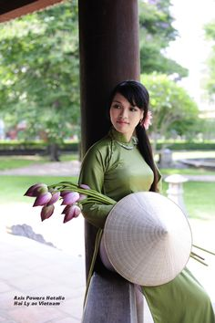 Hetalia_Vietnam by https://SilverPhoenixVN.deviantart.com on deviantART - Uploaded by a fellow cosplayer at the same photo shoot. Incidentally - or not - this is a cosplay group based in Vietnam.