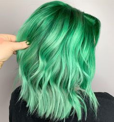 Trendy Green Hair Color Ideas & Styles for 2019 Fresh Hair Color Ideas for Shor beautiful hairhair stuffhair styles how tocoloring your own hair at home Green Hair Dye, Green Hair Colors, Hair Dye Colors, Ombre Hair Color, Cool Hair Color, Medium Hair Styles, Natural Hair Styles, Long Hair Styles, Brown Ombre Hair