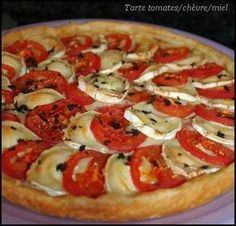 Here is a simple but delicious pie that my children eat very willingly! Source: mgc-prevention Ingredients (for 6 people): 1 puff pastry 3 tomatoes 1 goat& cheese 1 tbsp old mustard 1 tbsp liquid honey Salt and pepper … - Vegetarian Recipes, Cooking Recipes, Healthy Recipes, Gentilly Cake Recipe, Margarita Pizza, Pizza Logo, Pizza Cake, Pizza Restaurant, Deep Dish
