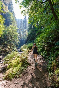 Hiking near Portland, Oregon. Multnomah to Wahkeena Falls, then wading through Oneonta Gorge!