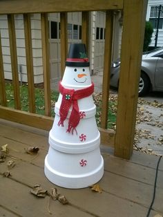 Outdoor Snowman Christmas Decorations – Christmas Celebration – All about Christmas - DIY Crafts Outdoor Christmas, Simple Christmas, Christmas Holidays, Christmas Ornaments, Outdoor Snowman, Christmas Tree, Christmas 2019, Christmas Island, Christmas Vacation