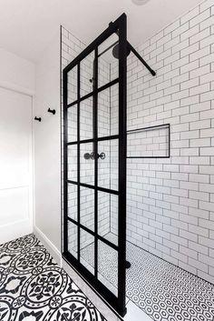 Zen Bathroom, Small Space Bathroom, Bathroom Interior, Bathroom Showers, Glass Bathroom, Seashell Bathroom, Brown Bathroom, Bathroom Colors, Black And White Bathroom Ideas
