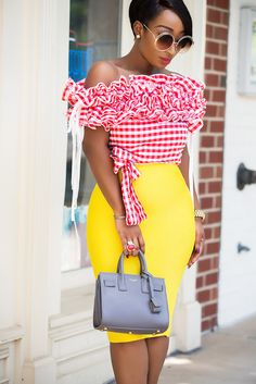 Gingham Blouse – Chicamastyle by Chic Ama Classy Dress, Classy Outfits, Casual Outfits, Fashion Outfits, Thick Girl Fashion, Latest African Fashion Dresses, Africa Fashion, Lovely Dresses, Elsa Dress