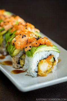 Dragon Roll | Easy Japanese Recipes at JustOneCookbook.com http://amzn.to/2t2BTEK