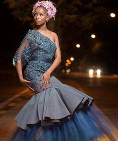 African Evening Dresses, African Lace Dresses, Sexy Evening Dress, African Traditional Wedding Dress, Traditional Dresses Designs, Traditional Weddings, African Fashion Ankara, African Print Fashion, African Prints