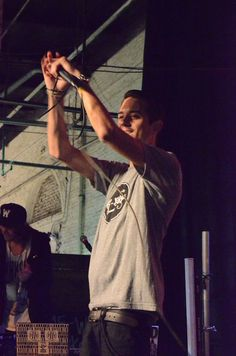 g-eazy does it
