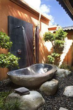 Outside bath. Yes please