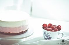 Raspberry mousse cheesecake with white chocolate