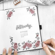 Little doodles especially the floral ones go a long way in a bullet journal. Thi… Little doodles especially the floral ones go a long way in a bullet journal. This beautiful bullet journal cover decorated by rose doodles is a creation of insta Bullet Journal Planner, February Bullet Journal, Bullet Journal Set Up, Bullet Journal Themes, Bullet Journal Layout, Bullet Journal Inspiration, Bullet Journals, Journal Ideas, Kalender Design