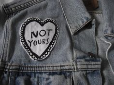 good vibes only Jordy Baan, Looks Style, My Style, Thalia Grace, Blue Sargent, Malia Tate, Riot Grrrl, Pin And Patches, Punk Patches
