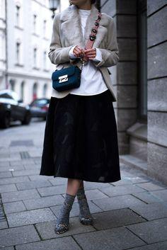 More on www.offwhiteswan.com  St.Emile Fur Blazer, Midi Skirt H&M Trend, Flower Strap Bag Zara Fendi lookalike, Metallic Socks with heels, Winter Streetstyle, Fashion, Trend 2017 #swantjesoemmer #offwhiteswan
