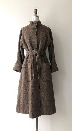 Old Dresses, Vintage Dresses, Vintage Outfits, Vintage Fashion, Tweed Coat, Wool Coat, Vintage Coat, Vintage 70s, Sleeves Designs For Dresses