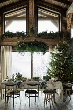 Printed Table Runner - Natural white/wreath - Home All Farmhouse Kitchen Decor, Farmhouse Furniture, Kitchen Dining, Western Furniture, Hm Home, White Wreath, Mediterranean Homes, Tuscan Homes, Earthship