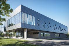 Architecture et design d'installations sportives // Sports facility architecture and design. www.parka-architecture.com