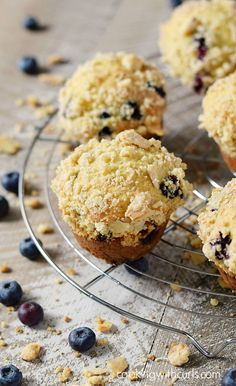 Bakery Style Blueberry Muffins bursting with ripe blueberries and topped with a crumbly almond topping. The perfect breakfast treat! Muffin Recipes, Baking Recipes, Real Food Recipes, Breakfast Recipes, Savory Muffins, Perfect Breakfast, Blue Berry Muffins, Sweet Bread, Kitchen Recipes