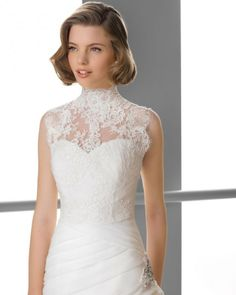 133 FIESTA / Wedding Dresses / 2013 Collection / Alma Novia / Shown with sleeveless High-Neck Bolero (close up)