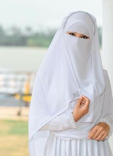 Hijab Gown, Hijab Evening Dress, Hijab Niqab, Muslim Hijab, Hijab Chic, Hijab Dp, Arab Girls Hijab, Muslim Girls, Beautiful Muslim Women