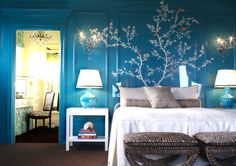 This is something I have to find a way to make happen in my own small room. Who has experimented with having something unusual on their wall? Can this colour work on a small room?