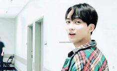 Jeonghan, Seventeen, Gifs, Presents