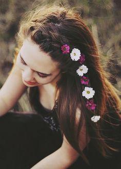 Colourful daisy braid