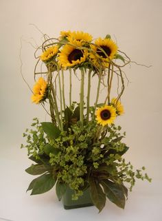 Sunflower design  www.tablescapesbydesign.com https://www.facebook.com/pages/Tablescapes-By-Design/129811416695