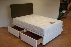 Healthopaedic Total Comfort 1000 Pocket Mattress -  with 1000 pocketed springs in a standard king size mattress and a layer of visco elastic memory foam.