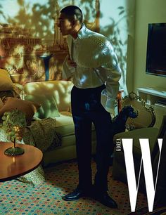 Song Hye Kyo and Yoo Ah In paired up for a wonderful shoot with W Korea, check it out! Song Hye Kyo, Korean Drama Movies, Korean Actors, Cleft Chin, W Korea, Solo Photo, Yoo Ah In, Star Magazine, Piano Man