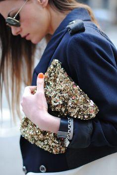 Risultati immagini per glitter bag outfits