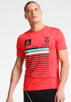 Reebok. Sports shirt - glow red. Outer fabric material:88% polyester, 12% spandex. Pattern:Print. Care instructions:machine wash at 30°C,Machine wash on gentle cycle. Neckline:round neck. Sleeve length:short. Qualities:breathable....