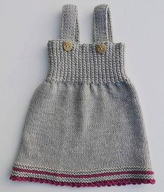 Girls Knitted Dress, Knit Baby Dress, Baby Girl Patterns, Baby Knitting Patterns, Knitting Dolls Clothes, Doll Clothes, Bralette Pattern, Knit Crochet, Crochet Pattern