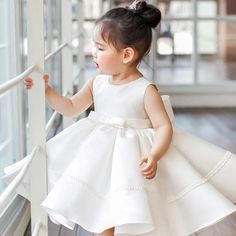 Super cute styles with couture high quality. Baby Girl Party Dresses, Cheap Flower Girl Dresses, Dresses Kids Girl, Cheap Dresses, Baby Dress, Kids Outfits, Kids Mode, Baby Girl Christening, Kids Frocks