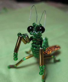 Praying Mantis Beaded Sculpture от RavencroftDesigns на Etsy